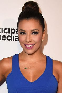 Who: Eva Longoria What: Matte Makeup How-To: Summer is the obvious season to go glowy, if only because it's easier than trying to stay shine-free, but the actress' matte skin and lipstick looks neat and airbrushed. To set your makeup, use a sponge dipped in loose powder instead of a fluffy brush and press it down across the forehead, along the sides of the nose and on the chin—spots where shine shows up first.