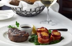 "Classic Combinations<br><i>Single Cut Filet Mignon with savory Bacon Wrapped Scallops</i><br><a href=""http://pinterest.com/pin/create/button/?url=http%3A%2F%2Fwww.thepalm.com%2FPhoto-Gallery%2FFood&media=http%3A%2F%2Fwww.thepalm.com%2Ffiles%2FimagesPalm%2Fphotos%2Ffood%2Fpalm_gallery_food_classic_combos_filet_scallops.jpg"" class=""pin-it-button"" count-layout=""horizontal"">Pin It</a><script type=""text/javascript"" src=""http://assets.pinterest.com/js/pinit.js""></script>"