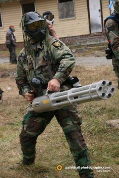 Paintball bun that will force your enemy to wear diapers gun*