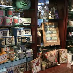 Stocked up for spring!! New giftware! ☕️