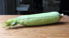 An Extremely Simple Method for Cooking and Shucking Corn on the Cob
