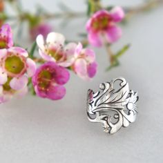 Floral motifs silver ring fine jewelry metalwork by TheManerovs, €75.00