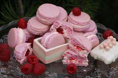Makrónky, ako na ne, aby sa podarili? Macarons, Raspberry, Sweets, Fruit, Cake, Desserts, Food, Wedding, Tailgate Desserts