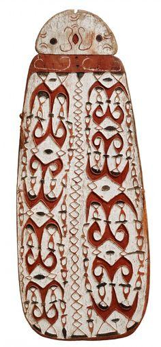 AN ASMAT SHIELD Northwest Asmat region, Papua, Indonesia, Auktion 1045 Afrikanische und Ozeanische Kunst, Lot 123