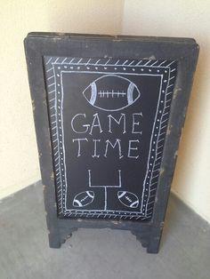 Football chalkboard Homemade Chalkboard, Fall Chalkboard, Chalkboard Ideas, Chalkboard Quotes, Football Parties, Football Tailgate, Football Season, Chalkboard Drawings, Chalkboard Designs