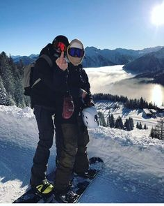 Emil Ulsletten and Sondre Hylland p: Absolut. Snow Pictures, Poses For Pictures, Couple Pictures, Chalet Girl, Ski And Snowboard, Snowboarding Style, The Love Club, Fotos Goals, Ski Season