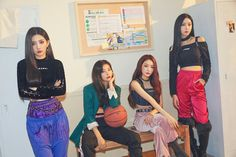 Clip of 'Wow Thing' dance practice scene by Seulgi X Chungha X SinB X Soyeon will released today (Sept at KST through SMTOWN's… Microsoft Excel, K Pop, Excel Formulas, Excel Tips, Kim Chanmi, Kim Chungha, Sinb Gfriend, Lee Hyori, Kpop Couples