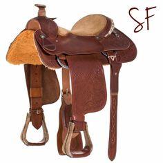 Para que disfrutes de cada momento en el rodeo, #SilladeWest ¡Adrenalina y seguridad garantizadas! #Vaqueros #SillasSanFermin #Colombia #Rodeo *Especial para caballos cuarto de milla.