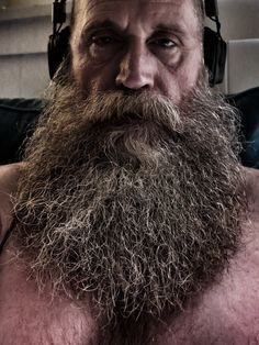 Beard styles 576179346072136803 - I'm Andy. My beard and I say hello. Please do not re-post my personal photos without attributing my… Source by Badass Beard, Epic Beard, Beard And Mustache Styles, Beard No Mustache, Long Beard Styles, Hair And Beard Styles, Great Beards, Awesome Beards, Walrus Mustache