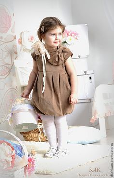 Платье Капучино - коричневый, однотонный, большой бант, декор на плече, декор из кружева, нарядное платье, handmade dress