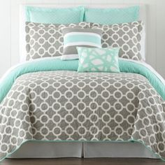 Cozy bed and colors: mint and gray! Happy Chic by Jonathan Adler Nina Quilt Set and Accessories found at Bedroom Makeover, Comforter Sets, Bedroom Colors, College Bedroom, Bed, Home, Gray Bedroom, Bedroom Inspirations, Home Bedroom