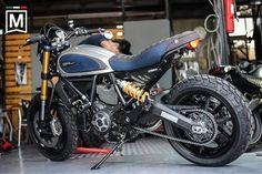 Sittimat T. Scrambler Ducati, Scrambler Icon, Desert Sled, Honda, Custom Bikes, Accessories Shop, Cars And Motorcycles, Motorbikes, Bicycle