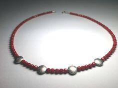 Bambuskorall-Collier mit Silberteilen von schmuckbewusst-woman auf DaWanda.com