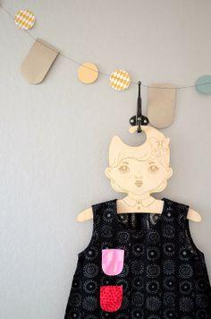 Projektila Beige Nursery, Baby Dress, Little Ones, Garland, Mom, Serendipity, Sewing, Kid Stuff, Kids