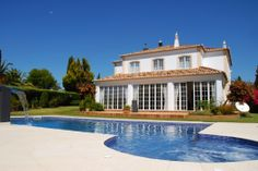 Check out this pools extra feature! #Algarve