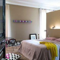 Habitación con toque fluor