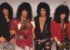 Gene Simmons, Band Outfits, Stage Outfits, Kiss Rock, Paul Kiss, Kiss World, Hair Metal Bands, Kiss Members, Eric Carr