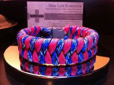 Woven Para cord Bracelet- I want just one more! Paracord Knots, Paracord Ideas, Paracord Projects, Paracord Bracelets, Survival Bracelets, Braids With Weave, Girls Camp, Camping Crafts, Rainbow Loom