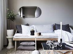 Les petites surfaces du jour : un studio en gris
