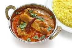 Lasooni Chicken – Chicken pieces saute in garlic and finished in onion and tomato gravy. Fresh Coriander, Fresh Garlic, Vegetarian Curry, Vegetarian Recipes, Veg Roll, Quorn, Tomato Gravy, Curry Spices, Indian Chicken