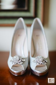 Wedding from Still-Life Media Photography Read more - ylemepretty. Source by KMKDC shoesHouston Wedding from Still-Life Media Photography Read more - ylemepretty. Source by KMKDC shoes Bong Studio - Seoul Wedding Photographer Pretty Shoes, Beautiful Shoes, Cute Shoes, Me Too Shoes, Stilettos, Pumps, Ao Dai, Dream Shoes, Crazy Shoes