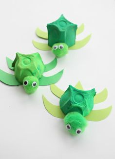 The Absolutely Cutest Egg Carton Turtles | Not only are these turtle crafts green in color but these recycled crafts allow you to go green, too!