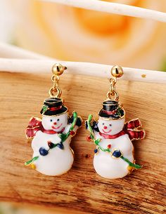 http://www.aliexpress.com/store/product/Branded-New-Arrival-Korea-Gold-Plated-Snowman-Christmas-Stud-Earrings-for-Women-2014-Fashion-Channel-Jewelry/239061_2028099458.html Find More Stud Earrings Information about Branded  New Arrival Korea Gold Plated Snowman Christmas Stud Earrings for Women 2014 Fashion Channel Jewelry Wholesale,High Quality Stud Earrings from Hawaii Arts Jewelry
