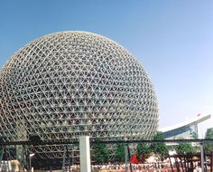 Buckminster Fuller's geodesic dome, centerpiece of the U. Pavilion at Expo 67 in Montréal Expo 67, Natural Form Art, Buckminster Fuller, Canada Eh, Unusual Homes, Geodesic Dome, Building Facade, Montreal Canada, World's Fair