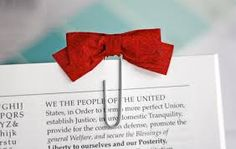 DIY Tutorial Diy back to school / DIY Bow tie paper clips from fabric scraps - Bead&Cord Paperclip Bookmarks, Cute Bookmarks, Creative Bookmarks, Handmade Bookmarks, Reading Bookmarks, Corner Bookmarks, Ribbon Bookmarks, Diy Back To School, Marque Page