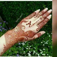Super bridal mehendi with name Ideas Beautiful Arabic Mehndi Designs, Round Mehndi Design, Modern Mehndi Designs, Mehndi Design Pictures, Unique Mehndi Designs, Latest Mehndi Designs, Bridal Mehndi Designs, Mehndi Designs For Hands, Henna Tattoo Designs