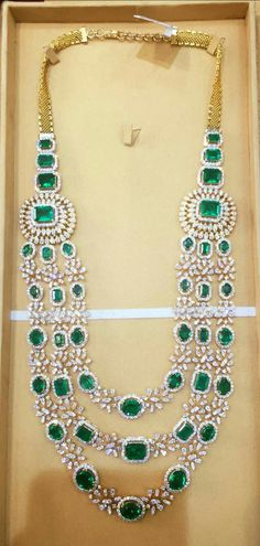 Choosing the right diamond ring has always been a major headache Bridal Jewelry Sets, Bridal Necklace, Wedding Jewelry, Bridal Jewellery, India Jewelry, Fine Jewelry, Hyderabadi Jewelry, Emerald Jewelry, Emerald Necklace