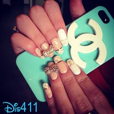 """Bella Thorne's Nails And A Look At The """"Contagious Love"""" Video Shoot"""