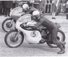 Derek Minter and Bob ? Vintage Bikes, Vintage Motorcycles, Racing Motorcycles, Cafe Racers, Cool Bikes, Childhood Memories, Biker, Mac, Touch