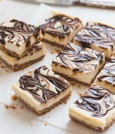 Ricetta per Tranci con riccioli di cioccolato. Gli ingredienti, la preparazione e le operazioni da seguire in cucina