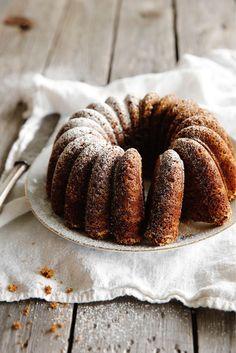 Maustekakku | Maku Fruit Bread, Sweet Bakery, Baked Donuts, Little Cakes, Other Recipes, No Bake Desserts, Coffee Cake, Food Inspiration, Deserts