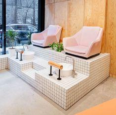 Montreal's Le Hideout nail bar polishes-up unconventional materials, pedicure chairs at Le Hideout, Melbourne. Nail Salon Design, Nail Salon Decor, Beauty Salon Decor, Salon Interior Design, Beauty Salon Design, Nail Salon Chairs, Beauty Bar, Modern Nail Salon, Beauty Salons