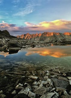 ✮ Sunset and reflection in the Pioneer Mountains - Idaho