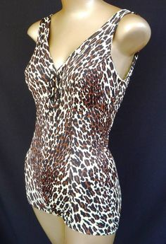 This looks like the Vanity Fair leopard print that was ubiquitous in the '60s. Some of my favorite vintage lingerie pieces have this very print!