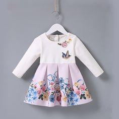 211a63caaa6c63 Baby Jurken 2018 Lente Baby Meisjes Vogel Bloemen Applicaties Geplooide  Prinses Jurk Leuke Katoenen Kinderkleding 0