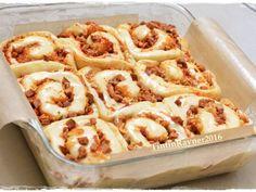 PIZZA ROLL Super Empuk ala Killer Bread Recomended recipe step 6 photo Pizza Recipes, Bread Recipes, Baking Recipes, Pizza Rolls, Bread Rolls, Pizza Pastry, Bread Machine Recipes, Recipe Steps, Bakery Cakes