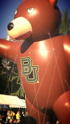 #Baylor Homecoming bear balloon! A classic. #SicEm