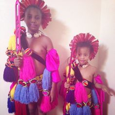 Princess Makhosothando & Princess Temave of the Kingdom of Swaziland (Eswatini ) during the reed dance ceremony. African Girl, African Beauty, African Attire, African Dress, Africa Tribes, Amazon Tribe, Cute Little Girls Outfits, African Royalty, Kwazulu Natal
