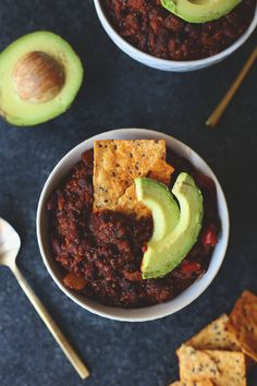 The perfect vegetarian meal all in one pot with the best vegetarian quinoa chili! This recipe tastes just like traditional chili but with quinoa instead of meat, plus a secret ingredient!