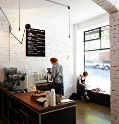 Market lane coffee shop via © ebonybizart café - эспрессо, дизайн кафе en к Coffee Shop Interior Design, Coffee Shop Design, Cafe Design, Modern Interior Design, Cozy Coffee Shop, Small Coffee Shop, Coffee Shops, White Brick Walls, White Bricks