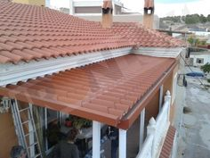 Panel Teja 8004 cubrimiento terraza New Room, Portugal, Porch, Outdoor Structures, House Design, Outdoor Decor, Home Decor, Commercial Roofing, Roof Ideas