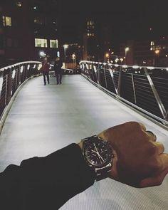 REPOST!!!  Finally got my bracelet resized! #speedytuesday #luxurywatch #moonwatch  #natostrap #omegawatch #watchfam #watchesofinstagram #speedmaster #speedmasterprofessional #hodinkee #watchporn #watchaddict #watchgeek #colareb #leatherstrap #omegaforums #manualwind #horology #swisswatch #watchcase #watchstorage  repost | credit: ID @akh_connoisseur (Instagram)