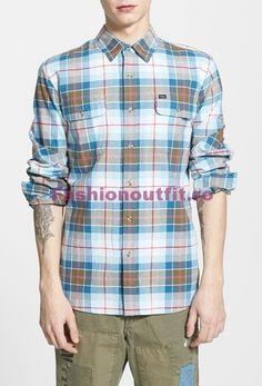 d51d7ff28 Masculinitatea si eleganta pot fi exprimate prin mai multe modalitati, insa  a purta o camasa la moda
