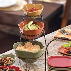 Nesting serving bowls and holder set by Princess House. I love their Pavillion line dishes, great for entertaining! Temptations Cookware, Princes House, Formal Dinning Room, New Home Wishes, Serveware, Tableware, Princess House Crystal, Fall Dishes, Nesting Bowls
