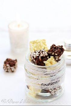 Carrés croustillants au riz soufflé chocolat noir et chocolat blanc