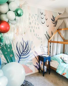 A beautiful pastel wall mural looks fantastic in a kids room. Vintage style wallpaper for a kids decoration - colorful & stylish. Pastel Decor, Pastel Art, Pastel Colors, Pastels, Vintage Style Wallpaper, Vintage Wallpapers, Vintage Walls, Vintage Prints, Vintage Decor